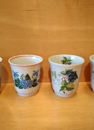 Посуда чашки керамические с синими цветами и ягодами времен сс...