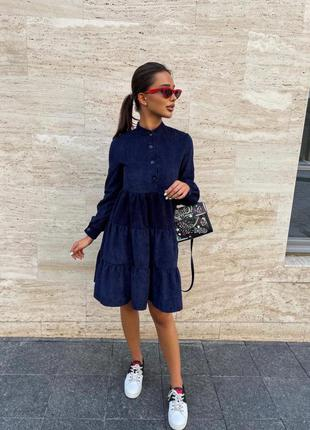 Вельветовое свободное платье с длинным рукавом