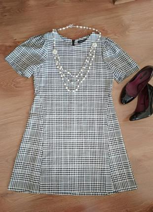 Стильне плаття zara