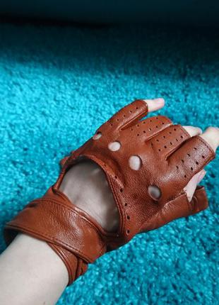 Шикарные перчатки из мягкой кожи
