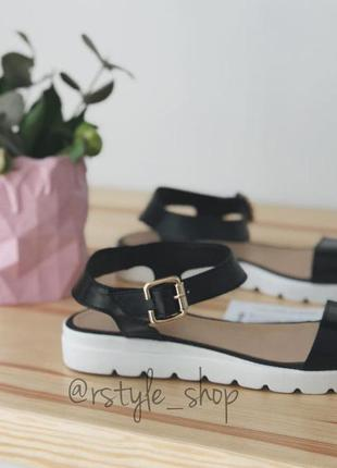 Суперовые легкие сандалии