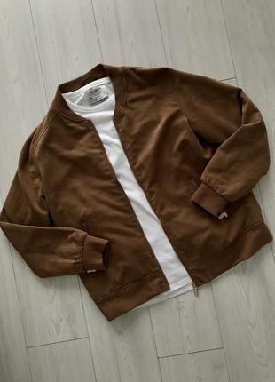 Куртка-ветровка бомбер