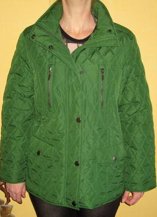 Стеганная куртка heidi klum,на тоненьком синтепоне