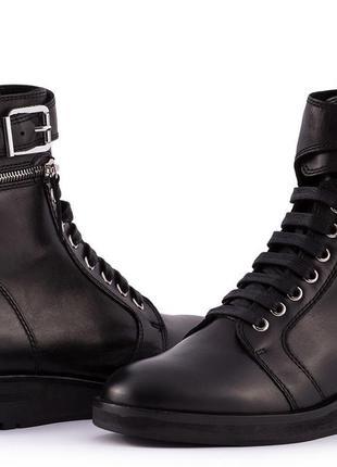 Ботинки carlo pazolini,натуральная кожа на тоненьком искусстве...