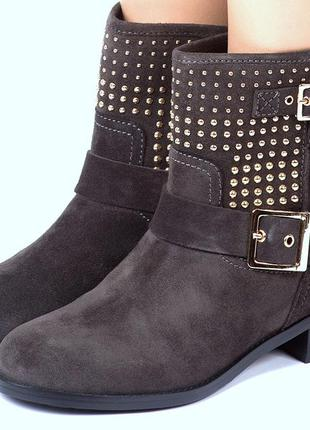 Ботинки carlo pazolini,на искусственном меху раз 39
