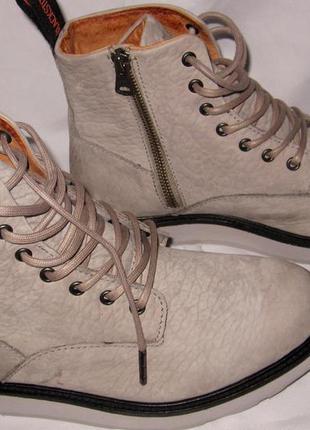 Ботинки blackstone,мягенький тесненный нубук ,внутри мягенькая...