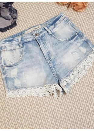 Рваные джинсовые шорты denim co/ с кружевом