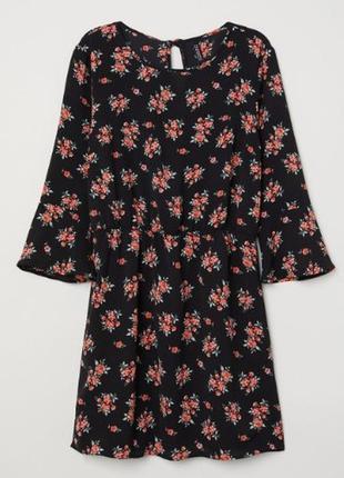 Чёрное платье цветочный принт H&M / S