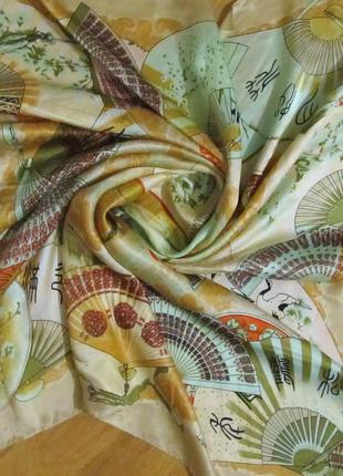 Платок из шелка тутового шелкопряда