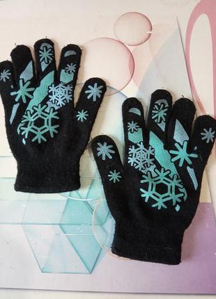 Перчатки трикотажные, с принтом голубых снежинок. детские или ...