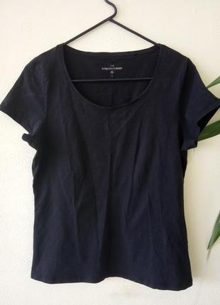 Брендовая футболка черного цвета. бренд c&a. размер укр.50