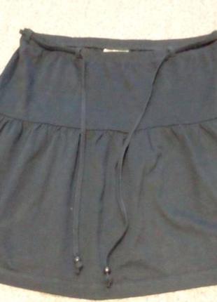 Милая, стильная, трикотажная юбочка на резинке. бренд blue mot...
