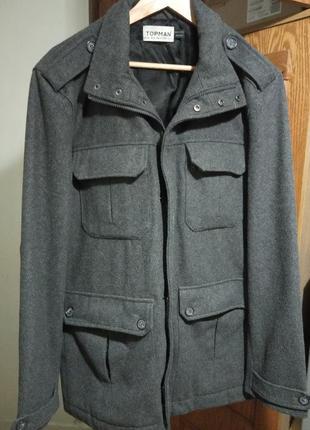 Стильное демисезонное, брендовое мужское пальто. бренд topman