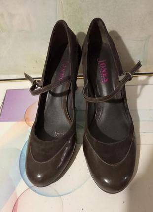 Удобные, брендовые, стильные кожаные туфли на ремешке