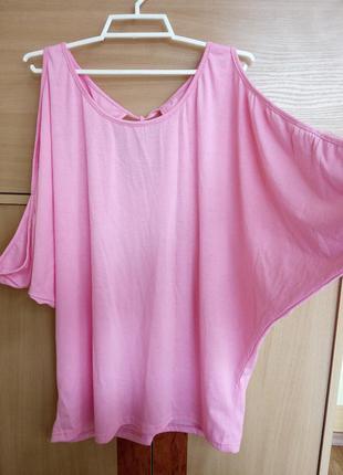 Стильная футболка розового цвета