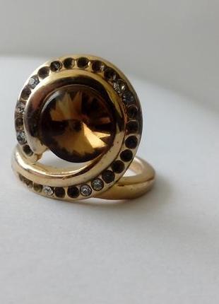 Красивое, винтажное кольцо с камнем, темно-коричневого цвета. ...