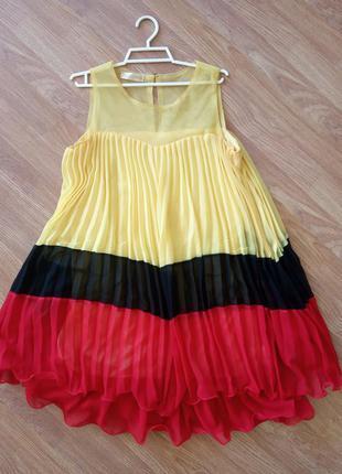Яркое, летнее, шифоновое платье. с подкладом в нижней части. р...