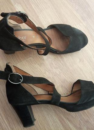 Стильные, брендовые, удобные, замшевые туфли, босоножки.