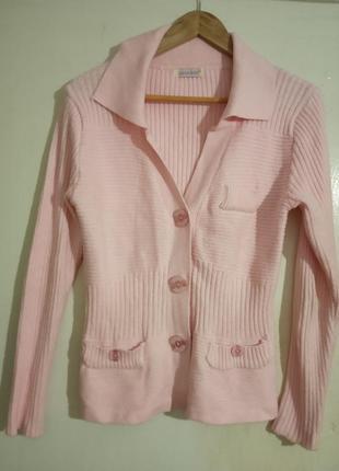 Удобная, качественная кофта на пуговицах, нежно-розового цвета...