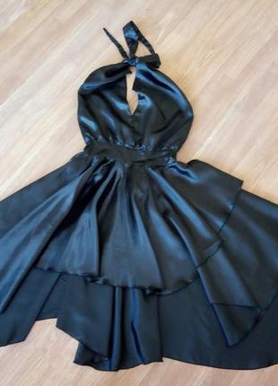 Шикарное вечернее, коктейльное платье с открытой спинкой. цвет...