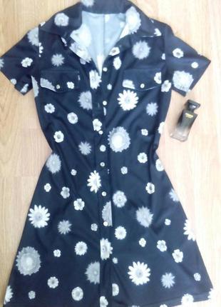 Платье-халатик с застежкой до конца изделия.  цвета: черный, б...