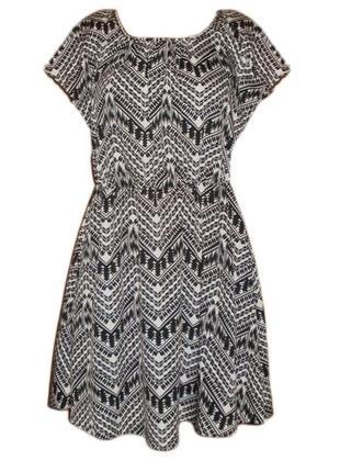 Расклешенное летнее платье принт повседневное размер 12 наш 46