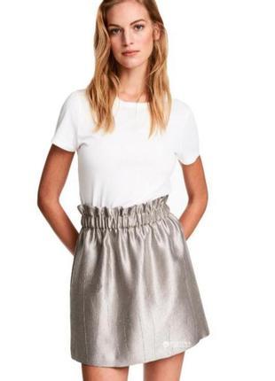 Серебристая юбка  h&m из плотной ткани