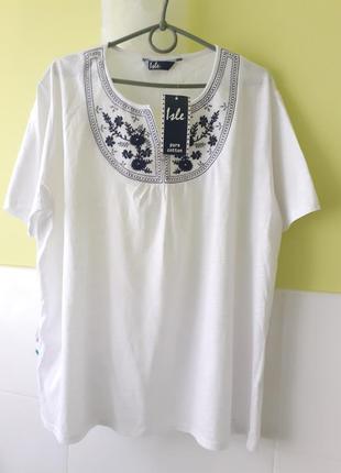 Белая футболка с вышивкой от isle