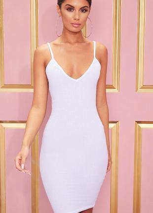 Белое базовое миди платье в рубчик с декольте