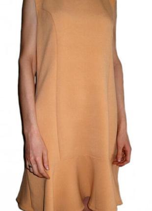 Платье свободного кроя с  воланом, рюшами