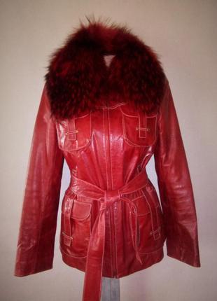 Красивенная красная кожаная куртка с подстежкой натуральный ме...