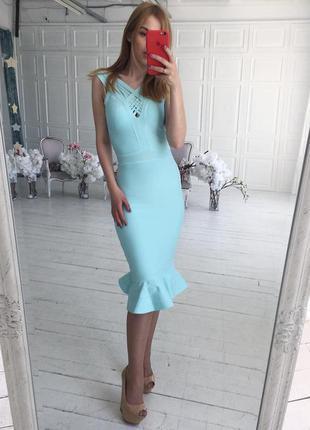 Сексуальное бандажное платье миди с баской оборкой herve leger...