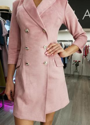 Шикарное замшевое замша платье пиджак пудровый розовый мини ко...