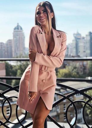 Шикарное сексуальное пудровое розовое платье пиджак на пуговиц...