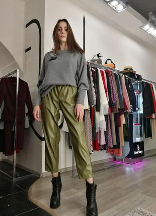 Шикарные кожаные брюки классические прямые высокая посадка хак...