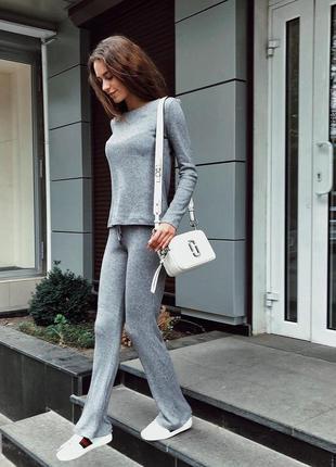 Шикарный стильный прогулочный костюм вязаный спортивный серый ...