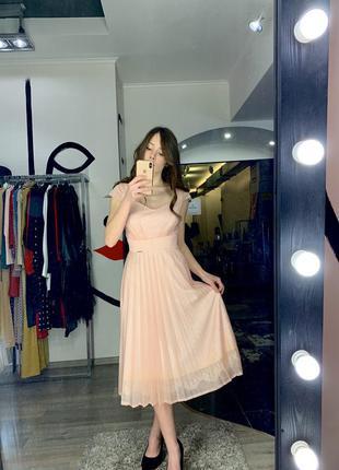 Нежное персиковое пудровое вечернее платье юбка гофре блестящее