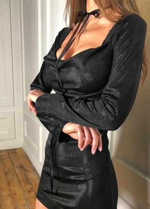 Сексуальное вечернее блестящее короткое платье с чокером банто...