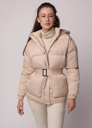 Трендовый короткий пуховик куртка объемный с капюшоном поясом ...