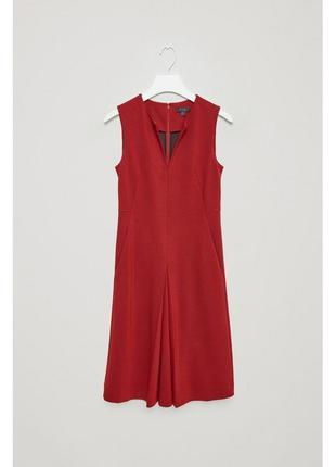 Cos красное платье