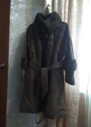 Шикарное кожаное пальто с натуральным мехом, большого размера.
