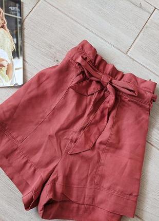 Стильные шорты с высокой посадкой талией карманами с завязками...