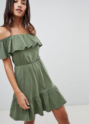 Тотальная распродажа! платье цвета хаки с воланом и открытыми ...
