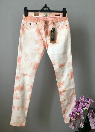 Яркие джинсы от maison scotch
