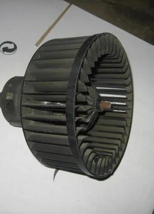 Моторчик вентилятор печки салона Opel Astra G