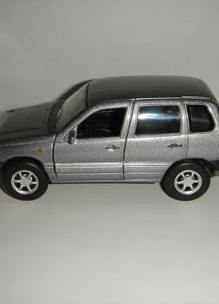 Машинка металлическая NIVA-CHEVROLET.