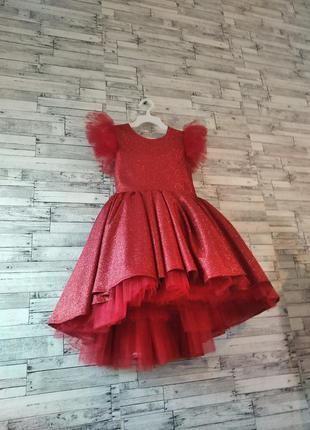 Сверкающее красное детское на любое торжество для девочек