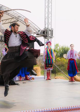 Козацькі виступи та ярморкові активності до масляної.