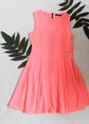 Яркое платье кислотно-розового цвета от atmosphere, размер m