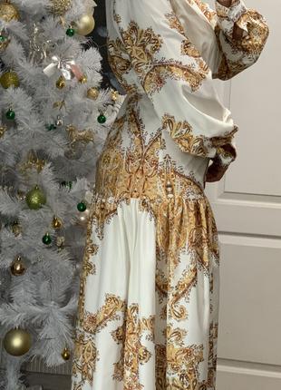 Красивое летнее платье в пол бело золотое с пышными рукавами